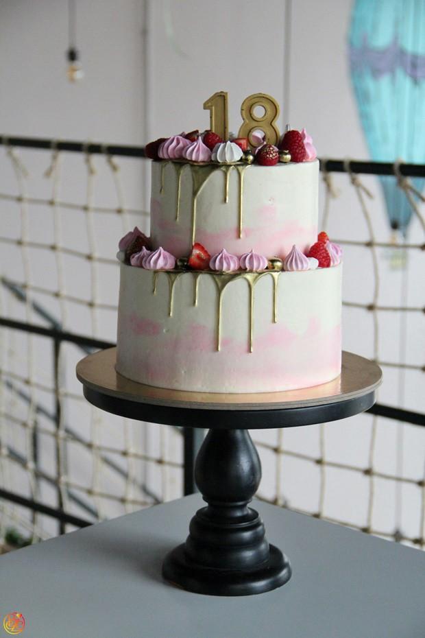 Торт Victoria