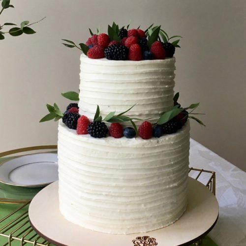 Свадебные торты с ягодами
