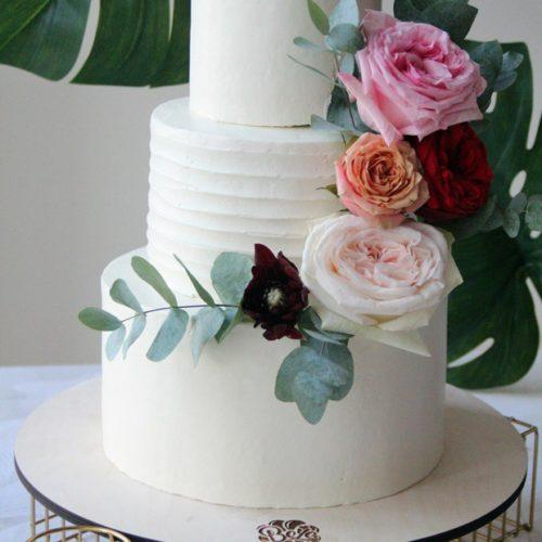 Свадебные торты из классических декоров