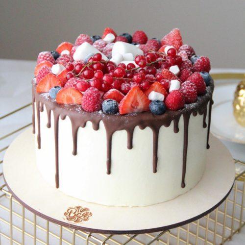 Торт на ново�елье